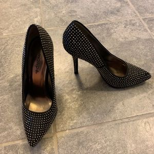 "Size 6 Maripe shoes. 4"" tall black heels"